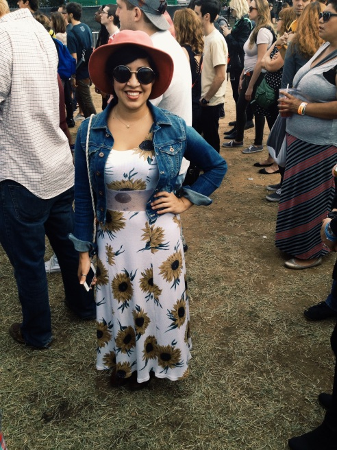A sweet sunflower maxi and a floppy pink hat take @leslie3418's fest style from sweet to sassy.