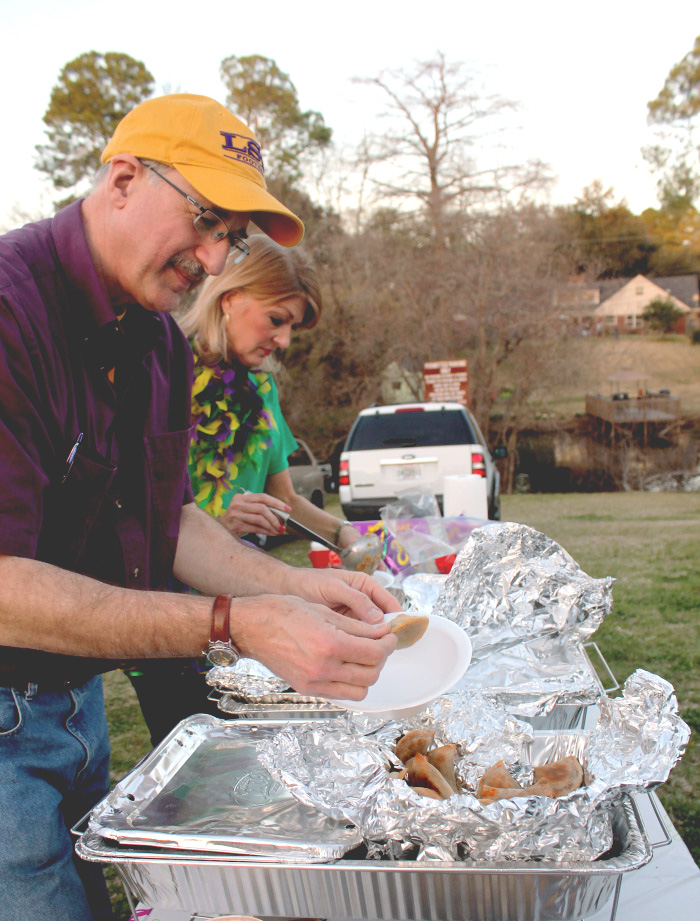 Cajun cuisine is always popular in Louisiana, but especially during Mardi Gras season. Meat pies, gumbo, and jambalaya can all be found on the parade route.