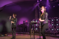 Canadian twin sister duo Tegan and Sara singing together at their ACL late night show on Oct. 3.