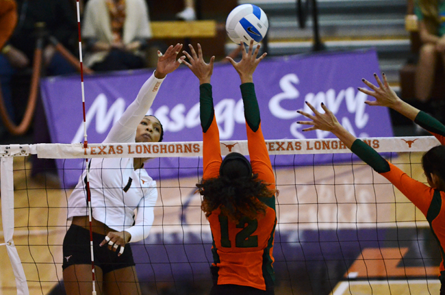 Senior Khat Bell and Texas open up Big 12 play on September 23. Photo by Sarah Montgomery.